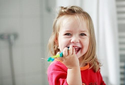Your Child's Age 1 Dental Visit
